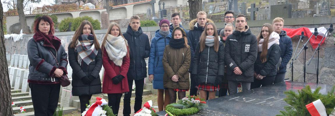 Lenkijos Nepriklausomybės 100-mečio minėjimas Rasų kapinėse